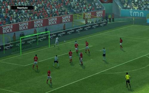 Nets and goalposts green for Pro Evolution Soccer 2013
