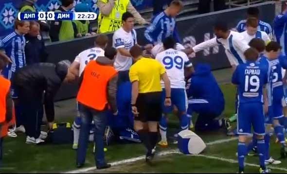 Олег Гусев получил удар и потерял сознание на поле